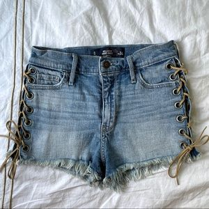Hollister 0/2 High Rise Denim Shorts with Details